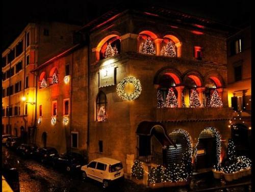 L'esterno della Cabala, zona Centro - Roma.