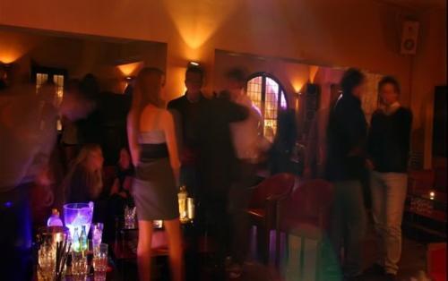 La Cabala è una discoteca magnifica ed alla moda nel centro di Roma.