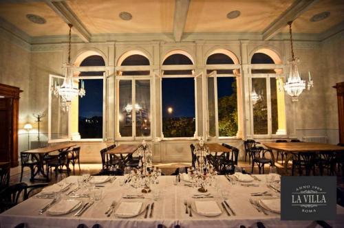 Il locale La Villa di Roma in zona Ponte Milvio è una location splendida per tutte le occasioni.