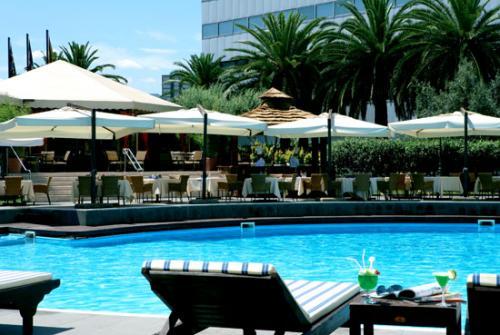 La piscina dello Sheraton Hotel Eur è davvero unica.