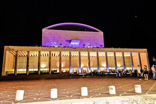 Le Terrazze di Roma è una Discoteca in zona Eur posizionata sulle terrazze del Palazzo dei Congressi.