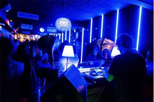gus locale discoteca a roma (3)