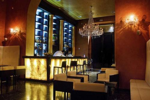Nur Bar divanetti