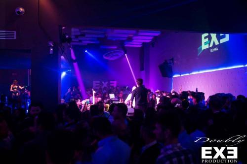 L'Exe è il nome di una delle discoteche più belle di Roma.